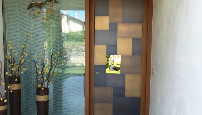 come restaurare una porta in legno