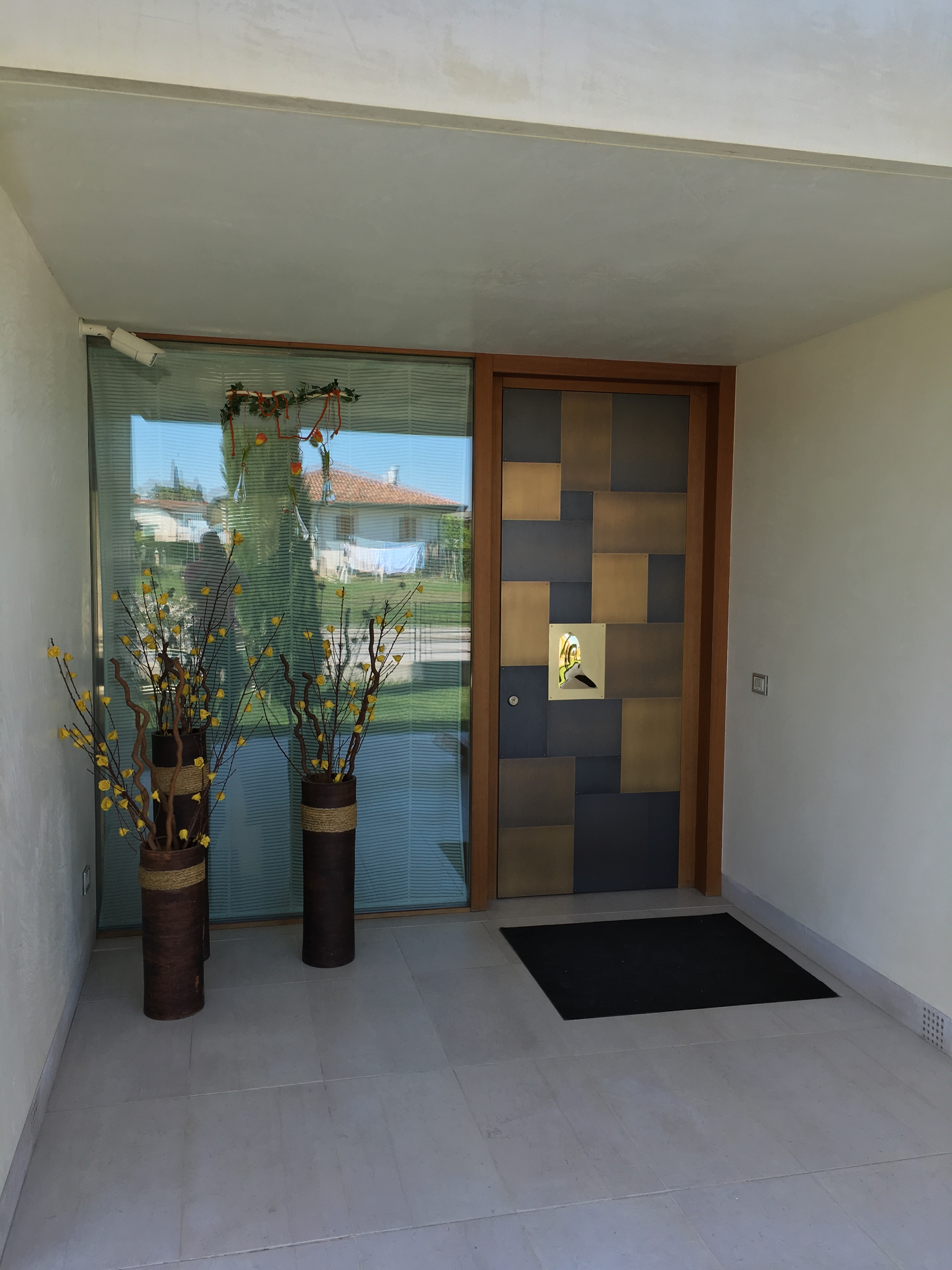 Come restaurare una vecchia porta in legno lormet steel for Porte decorate antiche