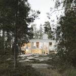 Casa con infissi in metallo