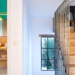 scala tubolari acciaio vetrate finiture ottone